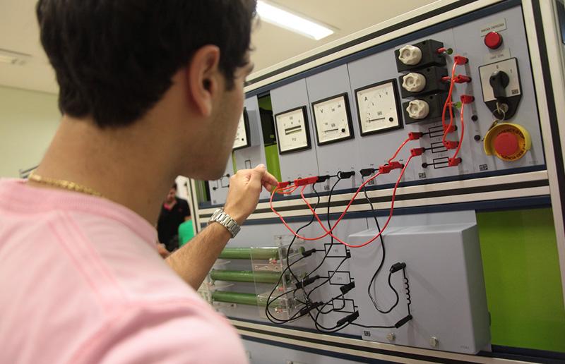 foto-curso-engenharia-eletrica