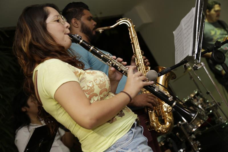 arte-no-campus---musica20160412alvaro-jr---dcom---puc-campinas0026
